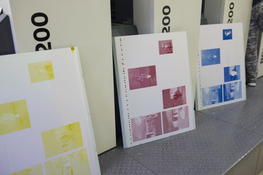 Empezamos a imprimir os  fotolibros ENCARNADOS